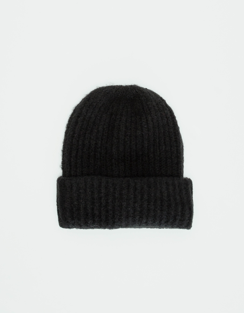 Black Ribbed Knit Beanie