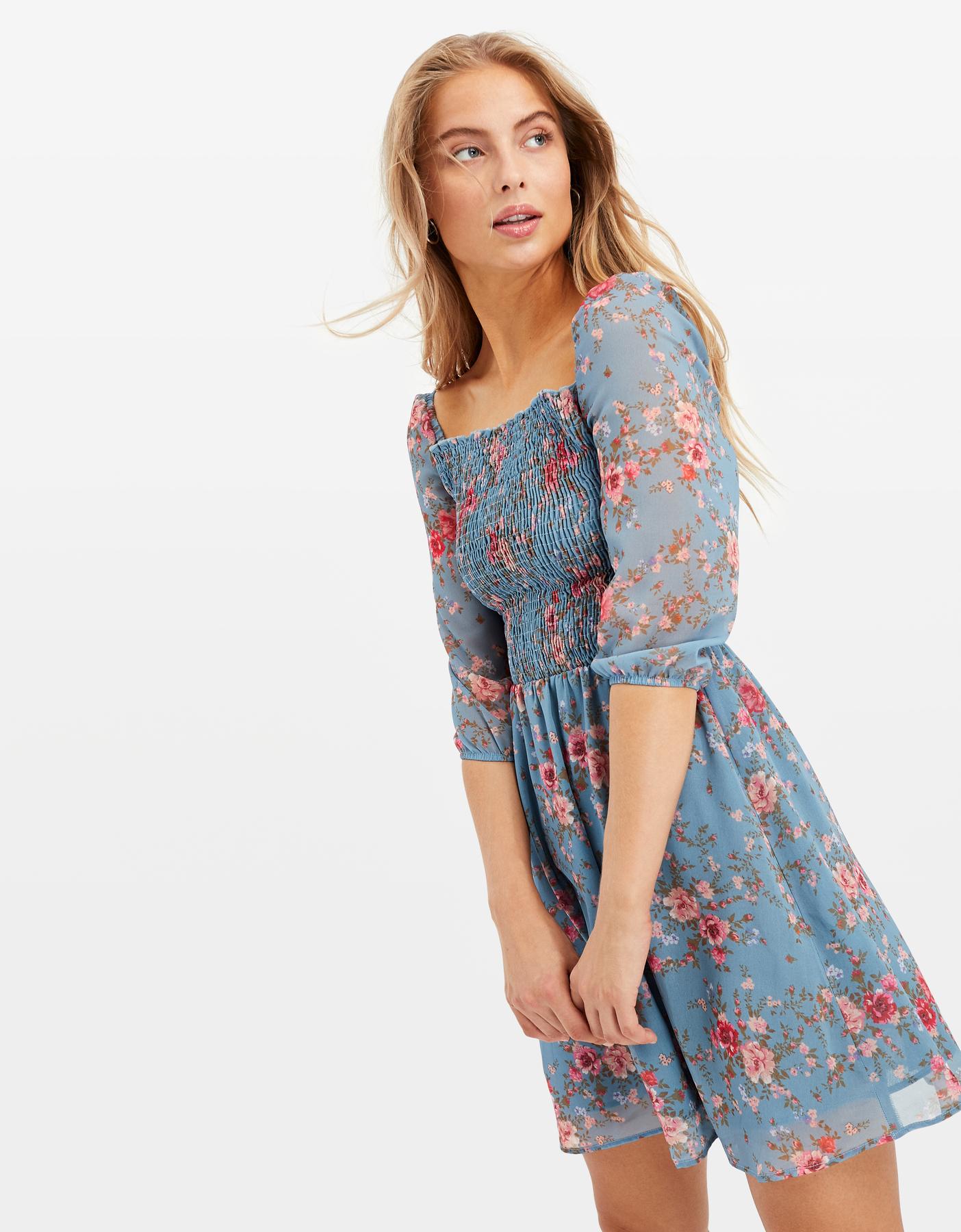 Kleid mit Blumen
