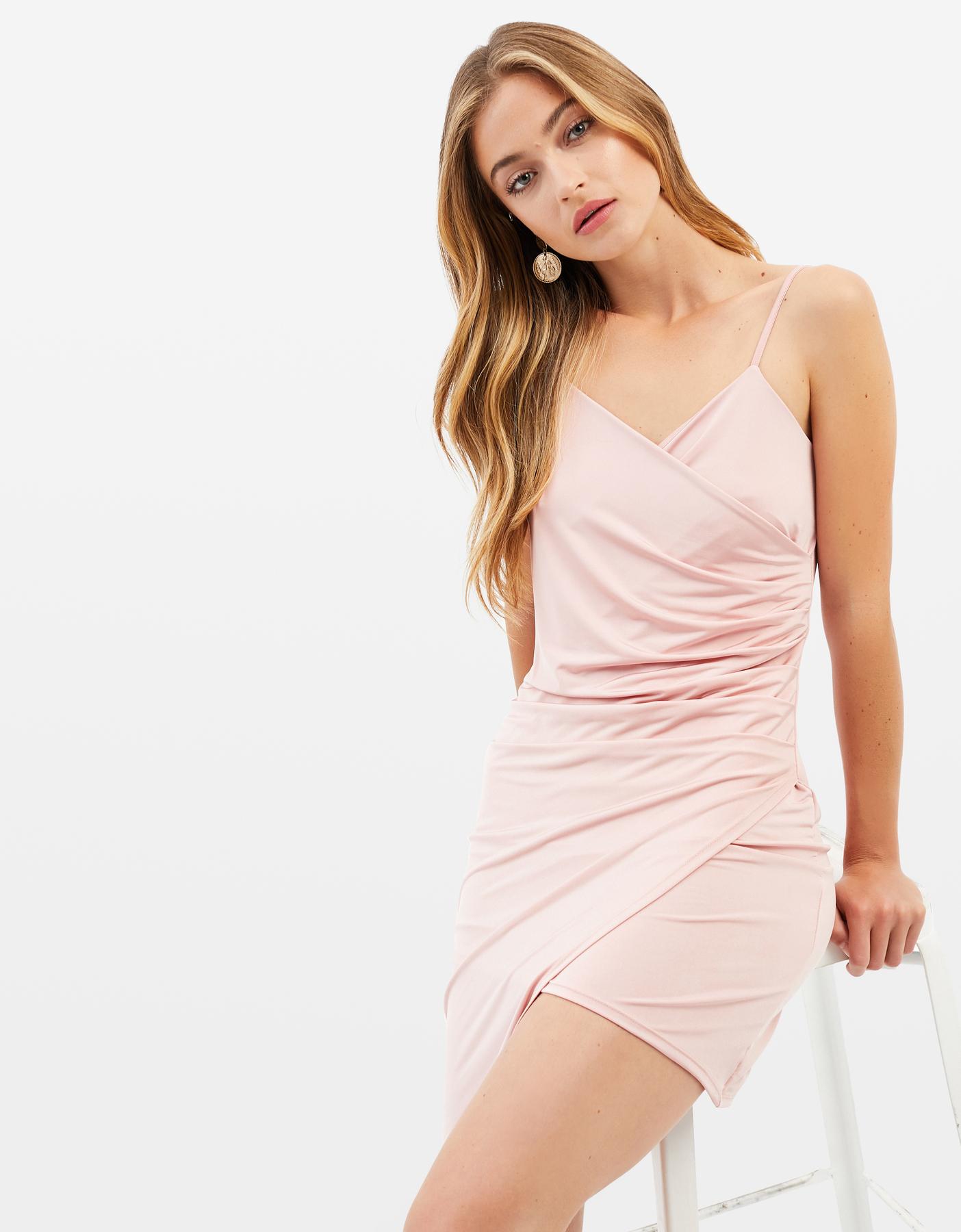 Pinkes, seidenes Kleid im Wickel-Design