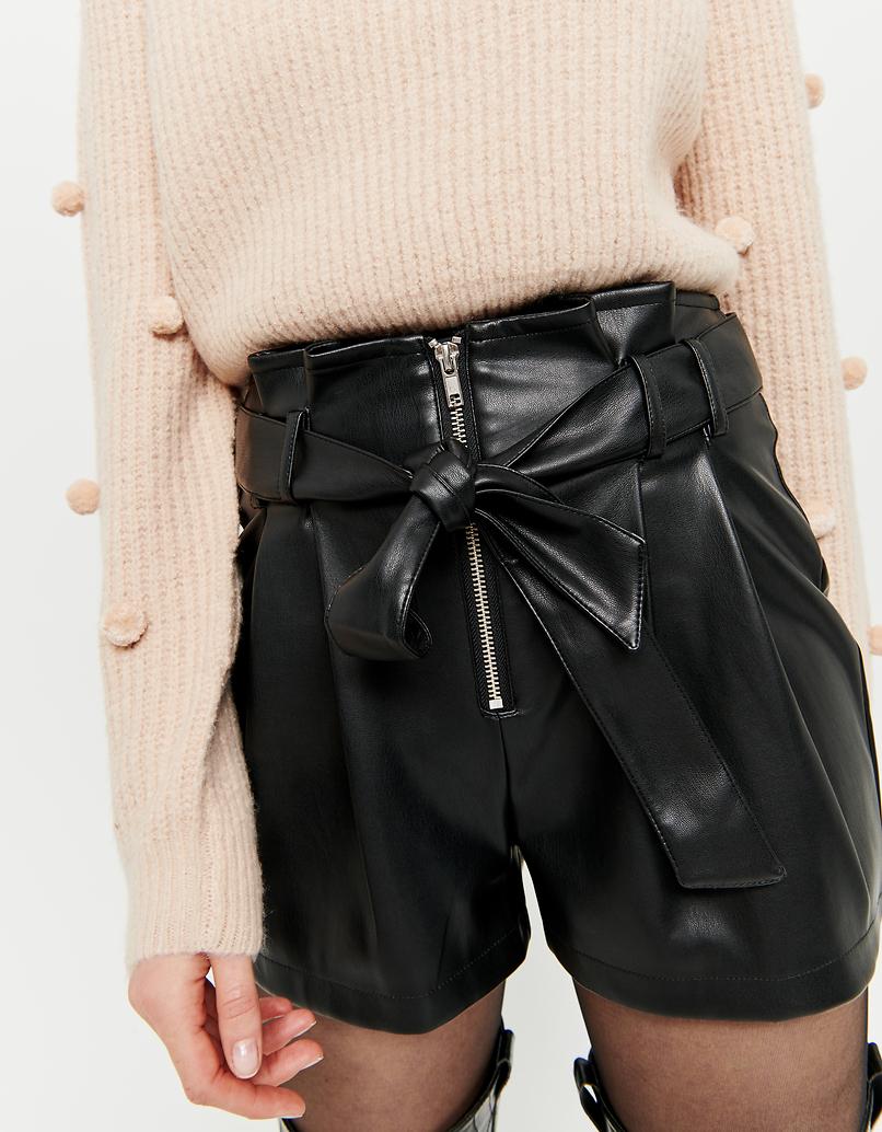 Czarne szorty Paperbag ze sztucznej skóry