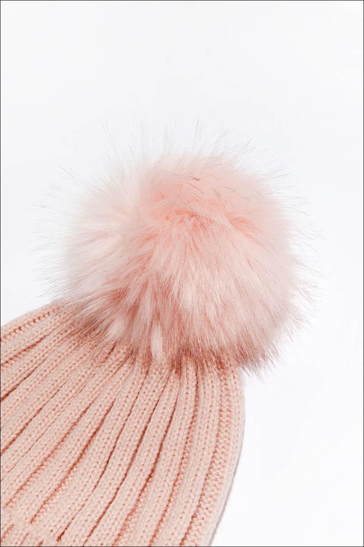 Różowa prążkowana czapka