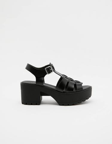Black Fisherman Sandals