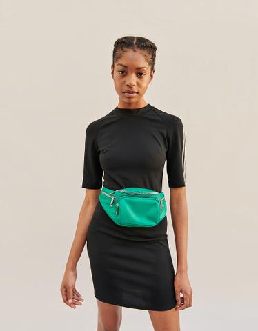 Schwarzes Kleid mit Strass