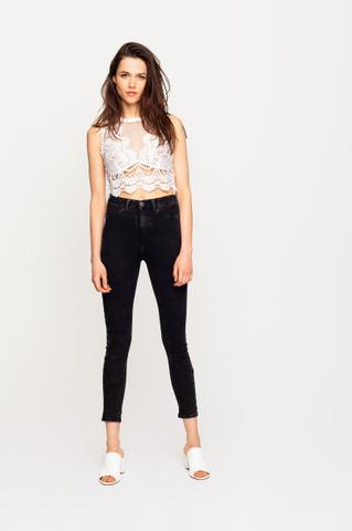 Schwarze Push-Up Jeans
