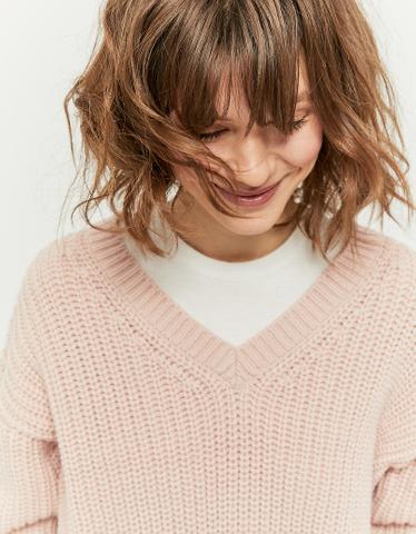 Pinker Pullover mit V-Ausschnitt