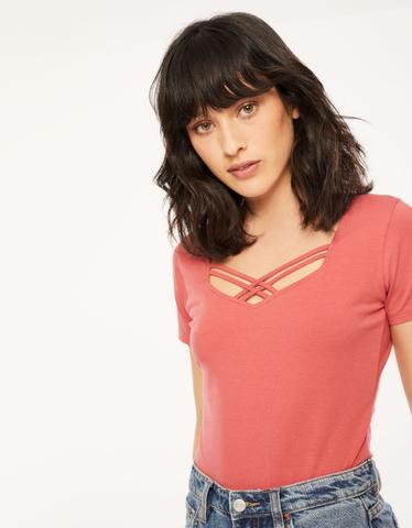T-Shirt Rose avec Croisement