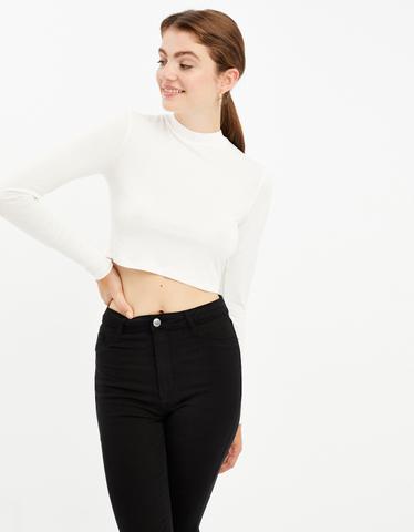 Weißes, langärmliges Crop Top