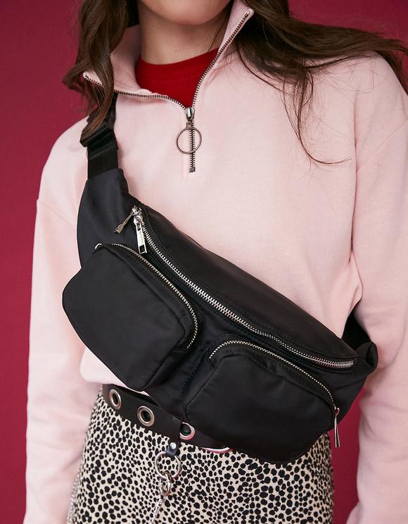 Marsupio Nero con Tasche
