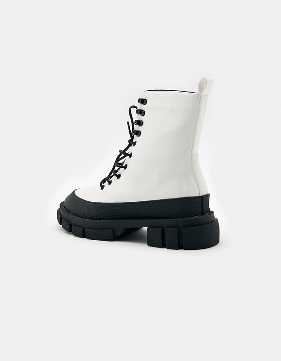 Bottines Blanches Lacées