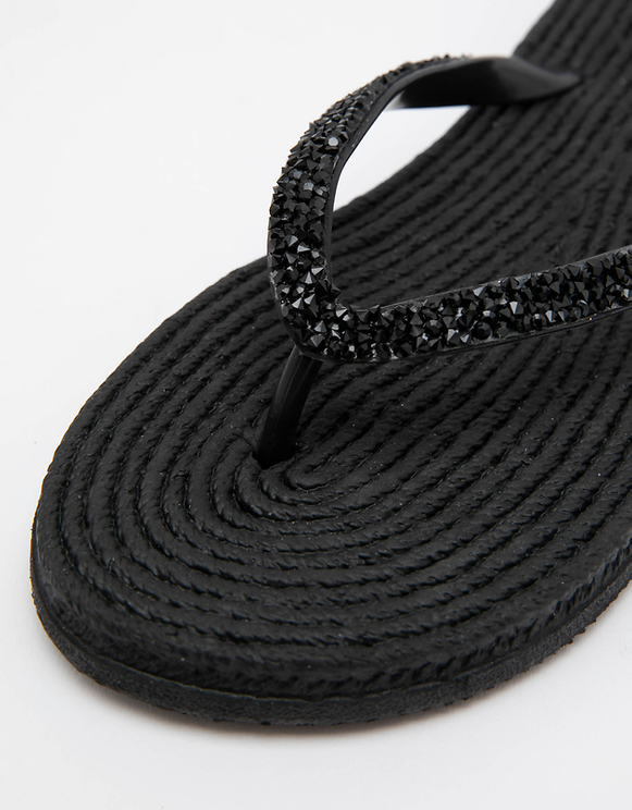 Schwarze Flip-Flops mit Stroh-Sohle