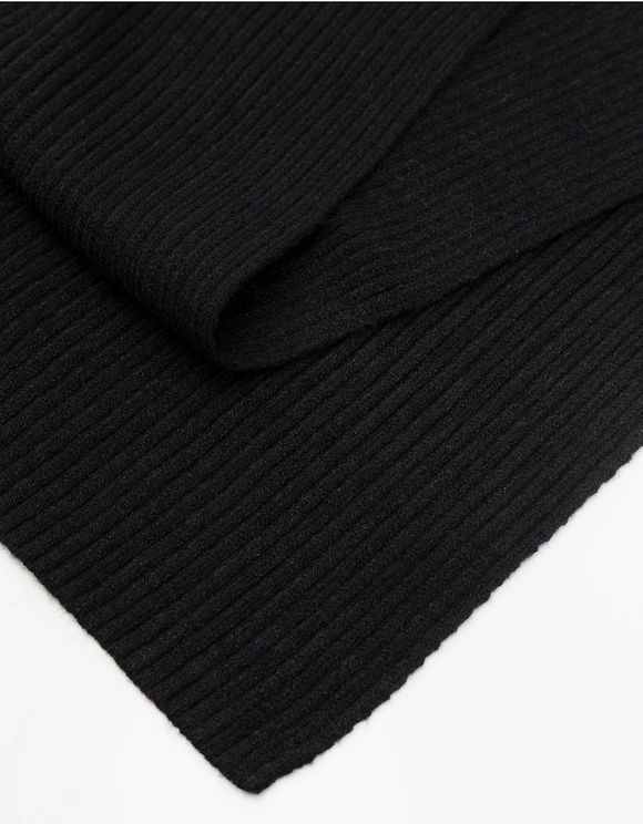 Black Rib-Knit Scarf
