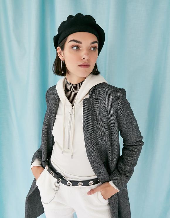 Mantel mit Knöpfen und Zackenmuster