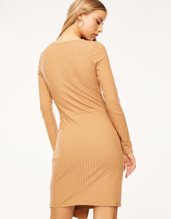 Beiges, figurbetontes Kleid