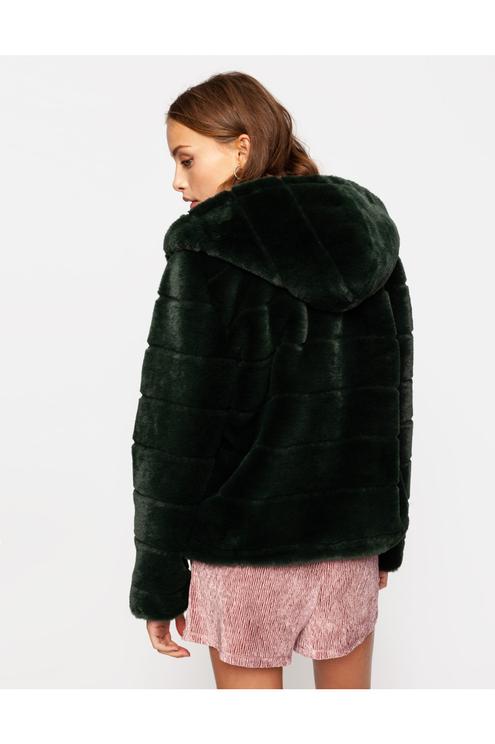 Dunkelgrüne Jacke aus Kunstfell