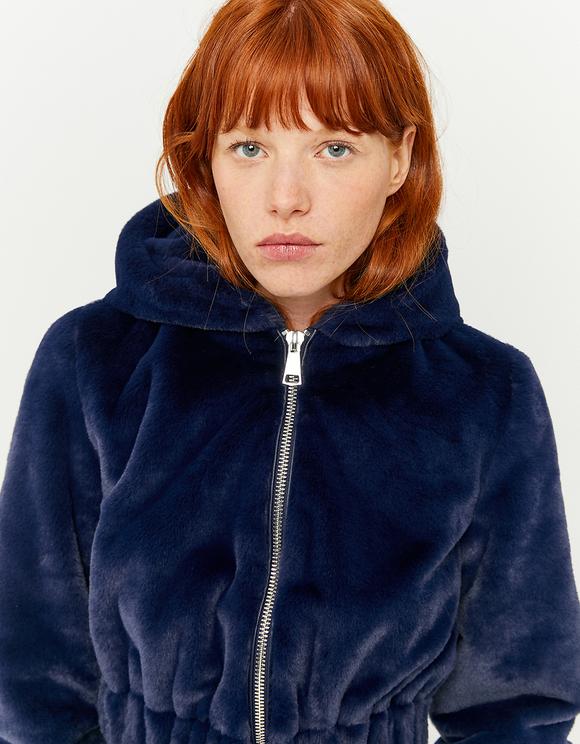 Kurze Jacke aus Kunstfell