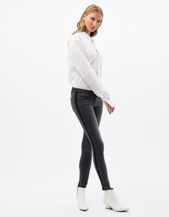Push-Up Medium Waist Jeans