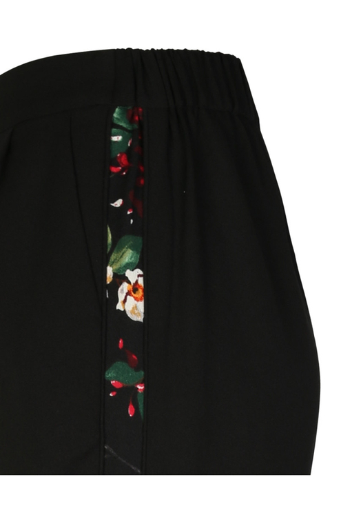 Black Trousers with Sidebands