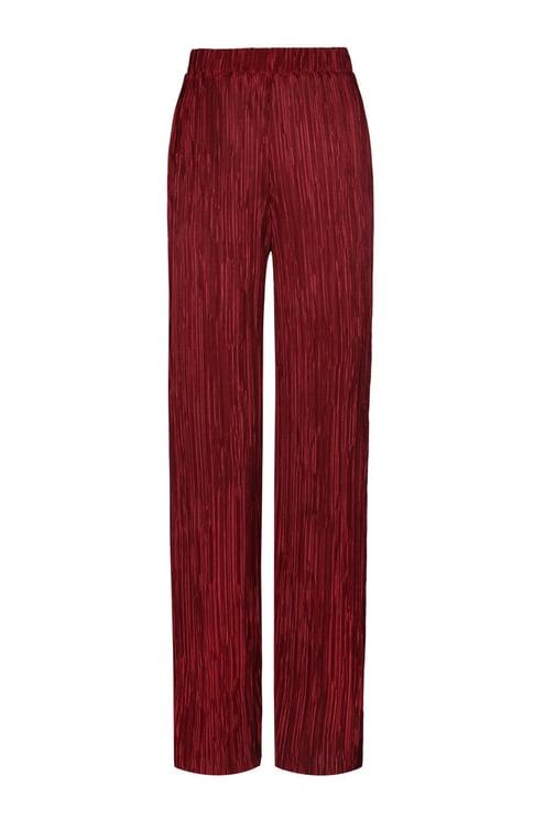 Rote plissierte Hose
