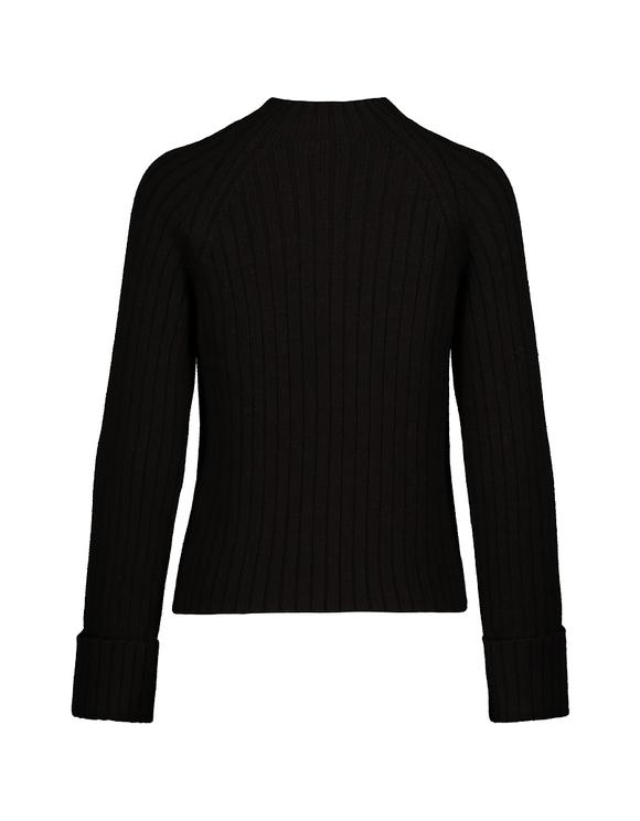 Czarny prążkowany sweter