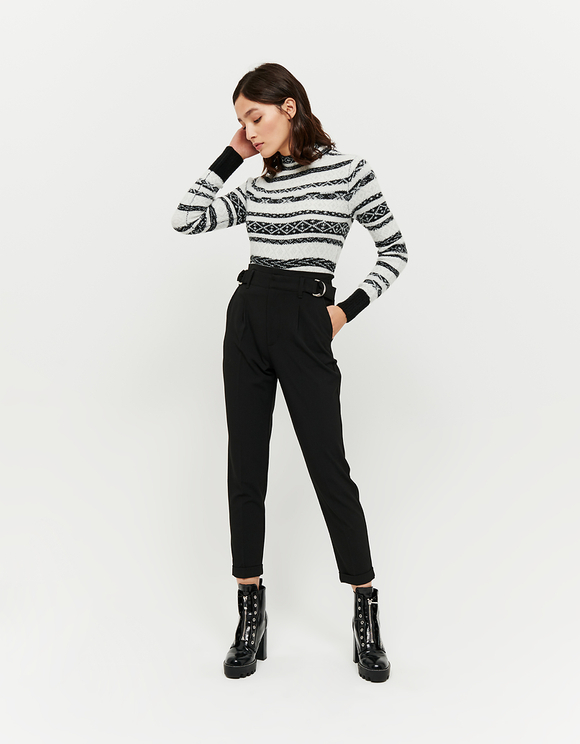 Schwarz-weißer Pullover aus Jacquard