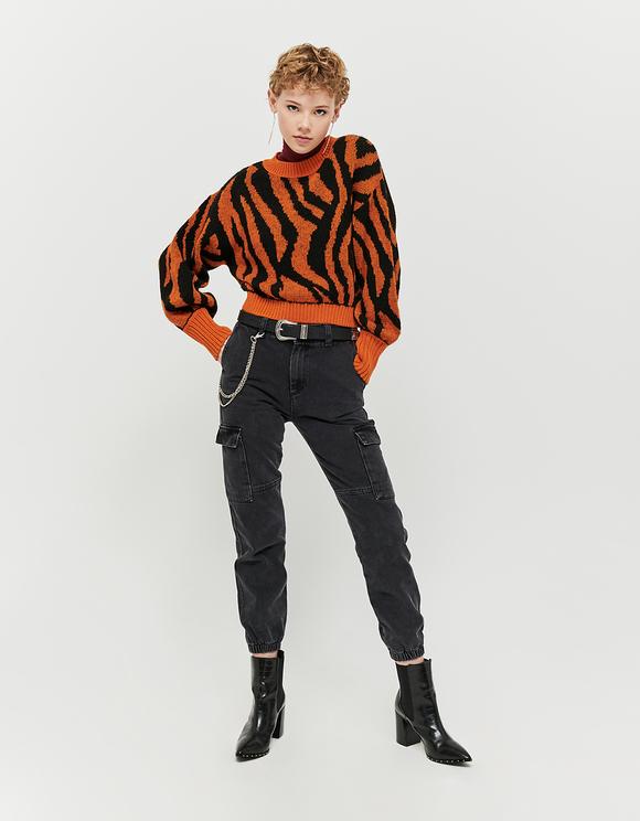 Pomarańczowy sweter z motywem zwierzęcym