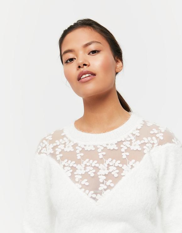 Weißer Pullover mit Spitze