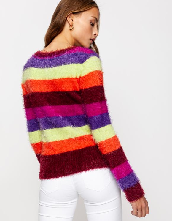 Mehrfarbig-gestreifter flauschiger Pullover