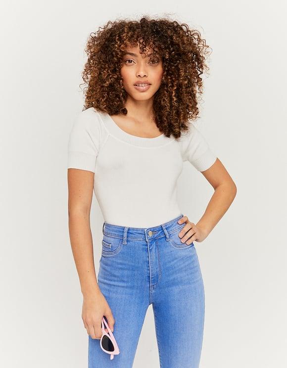 Biały sweter z krótkim rękawem