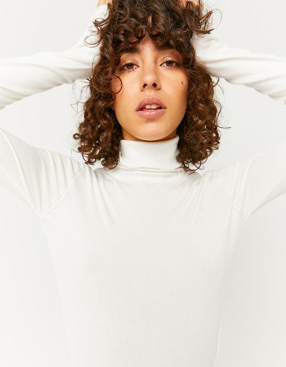 Weißer Basic Pullover mit Rollkragen