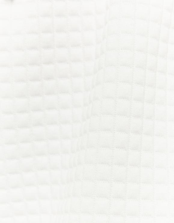Białe szorty