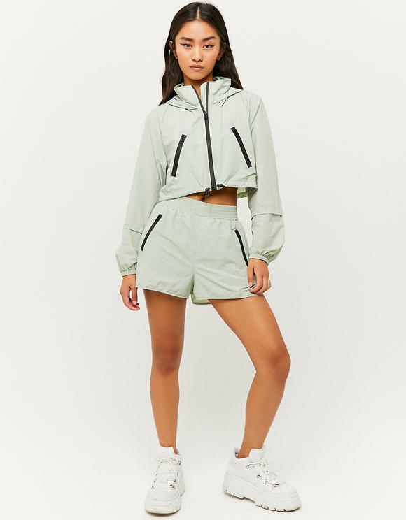Grüne leichte Shorts