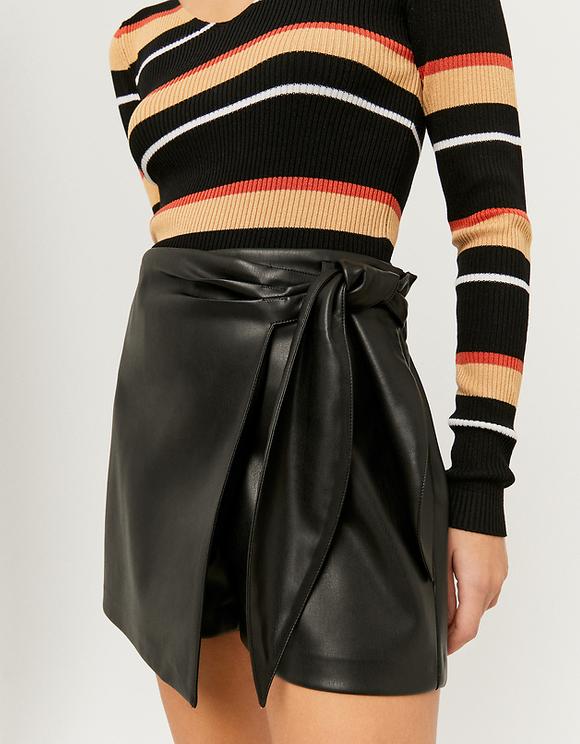 Czarne spódnico-spodnie z eko skóry