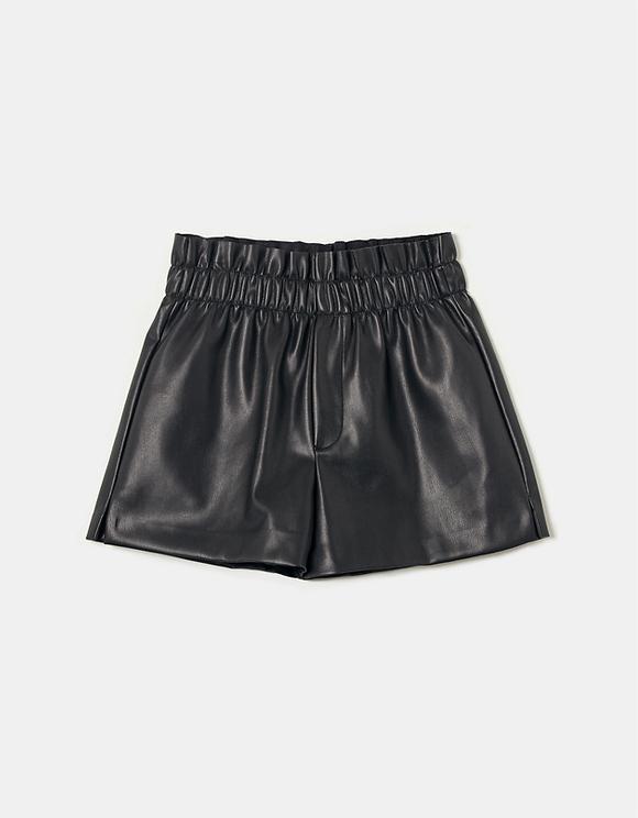 Schwarze Shorts aus Kunstleder mit Nieten
