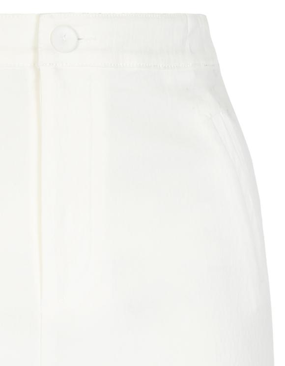 Białe szorty z wysokim stanem