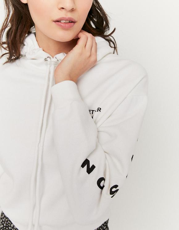 Biała bluza z napisem