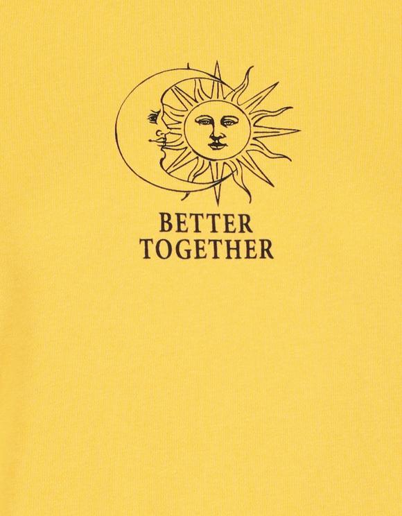 Gelbes Sweatshirt mit Aufdruck