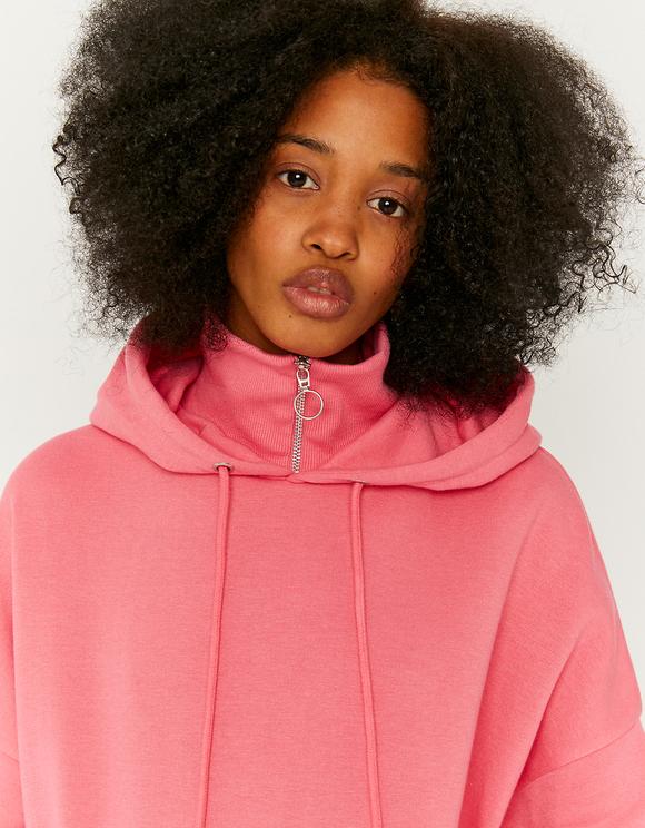 Różowa luźna bluza z kapturem