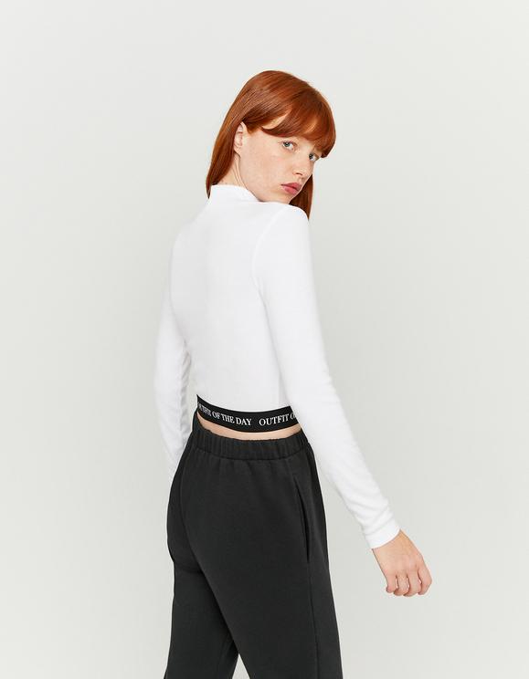 Weißes Top mit bedruckter Taille
