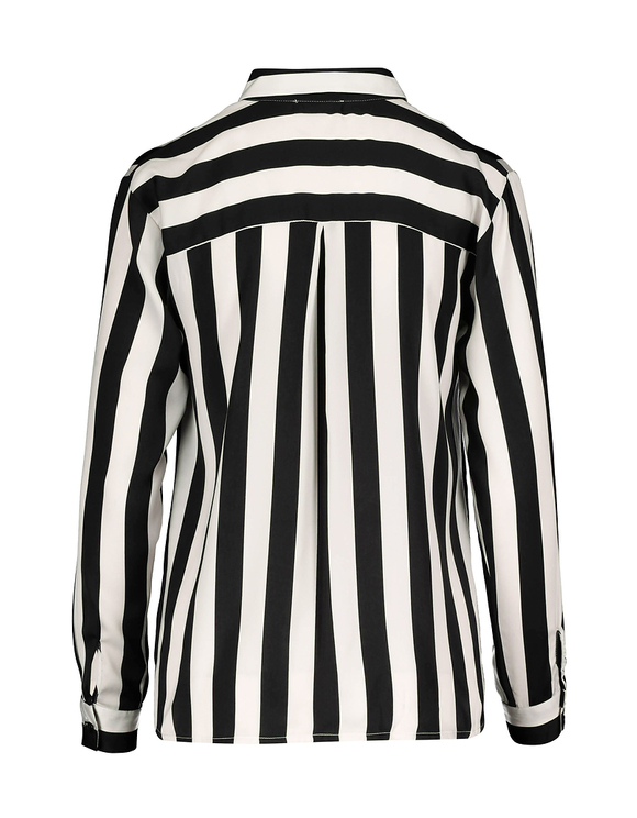 Breites Hemd aus Satin