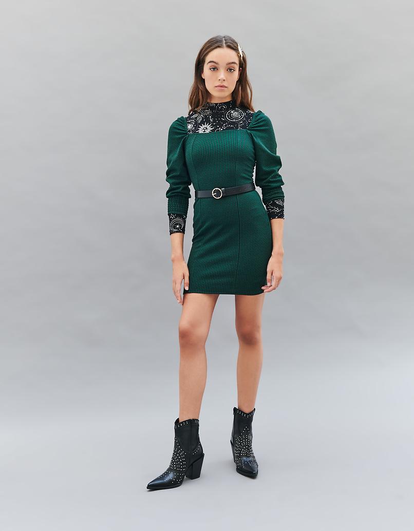 Grünes Kleid mit Puffärmeln und Hahnentrittmuster