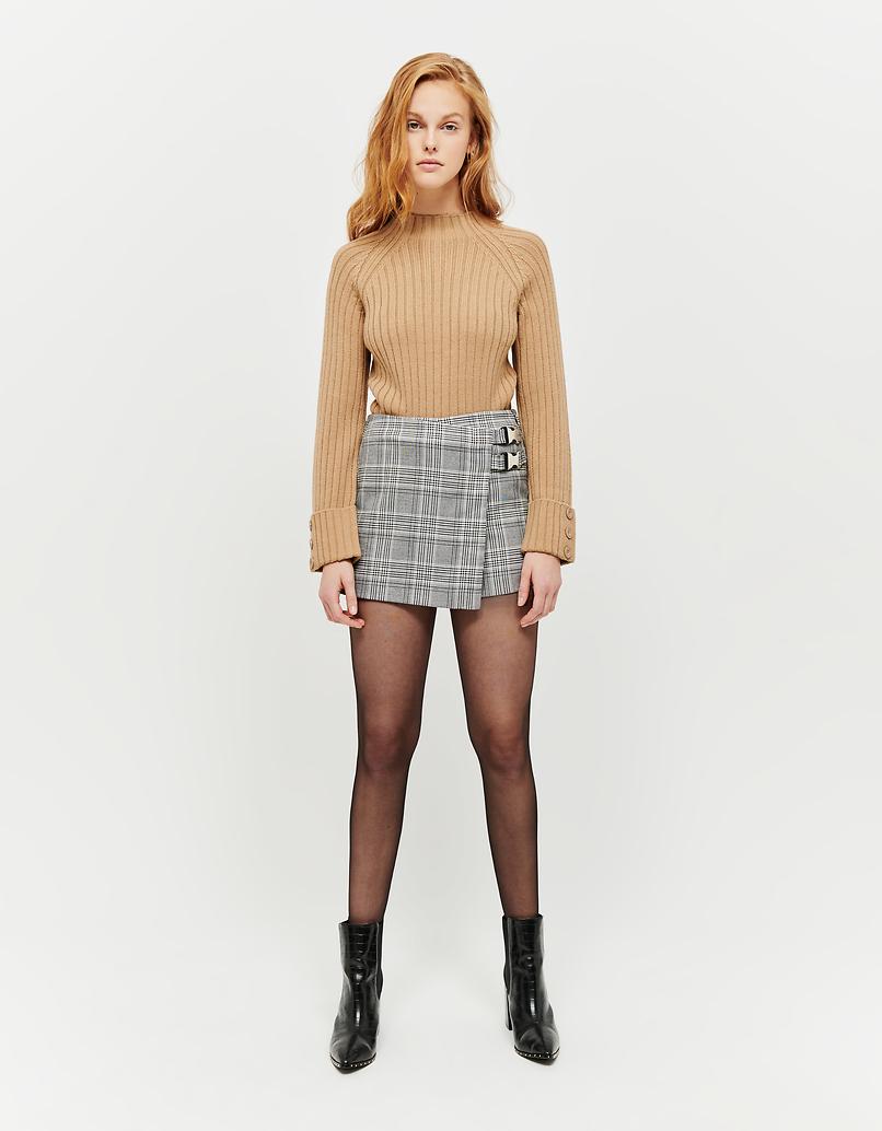 Beiger, gerippter Pullover
