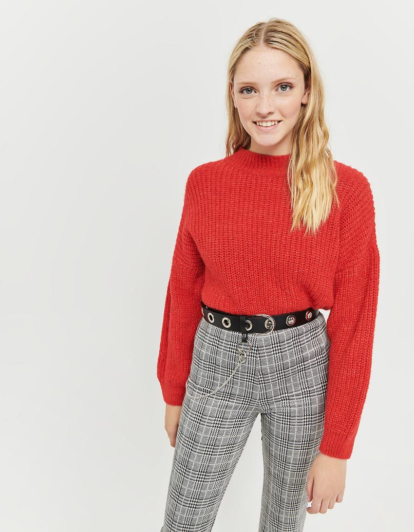 Orangefarbener kurzer Pullover