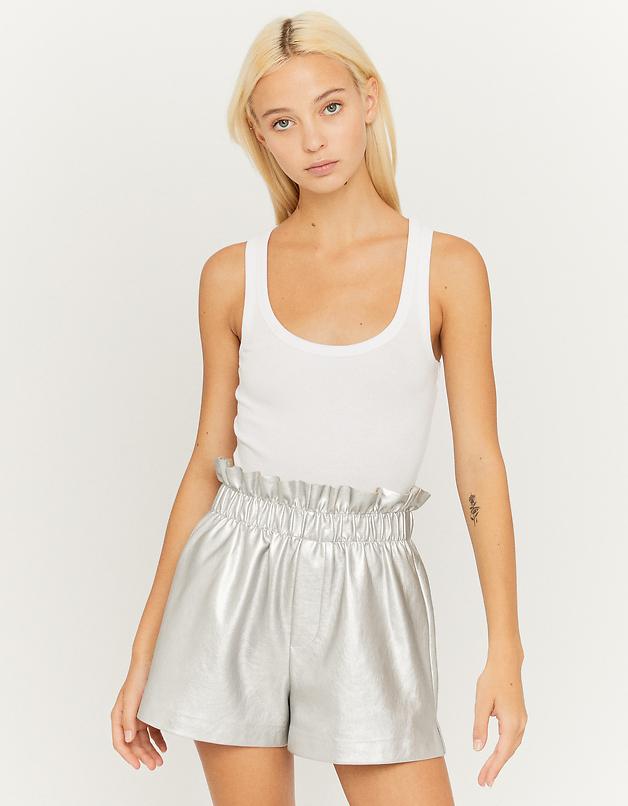 Silberne Shorts aus Kunstleder