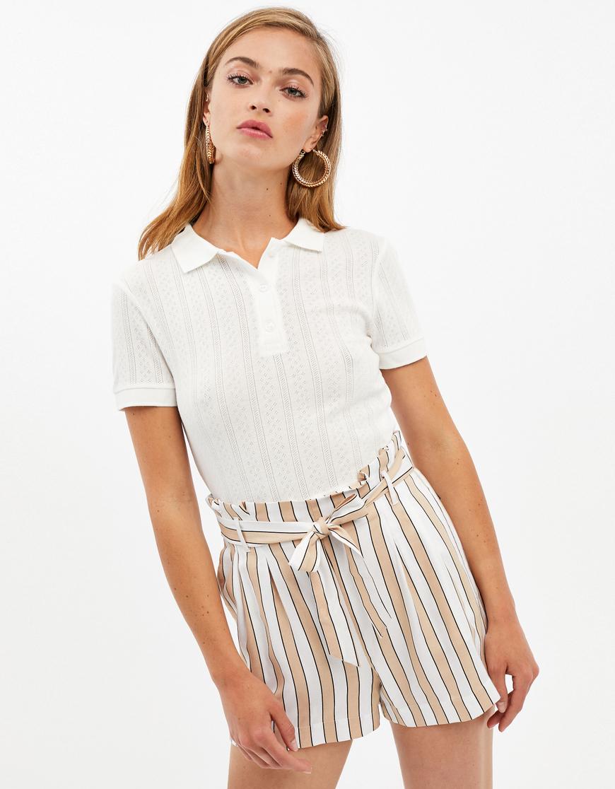 Beige-weiße Paperbag Shorts