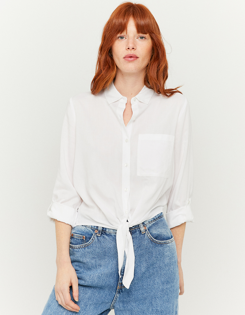 Biała koszula z wiązaniem