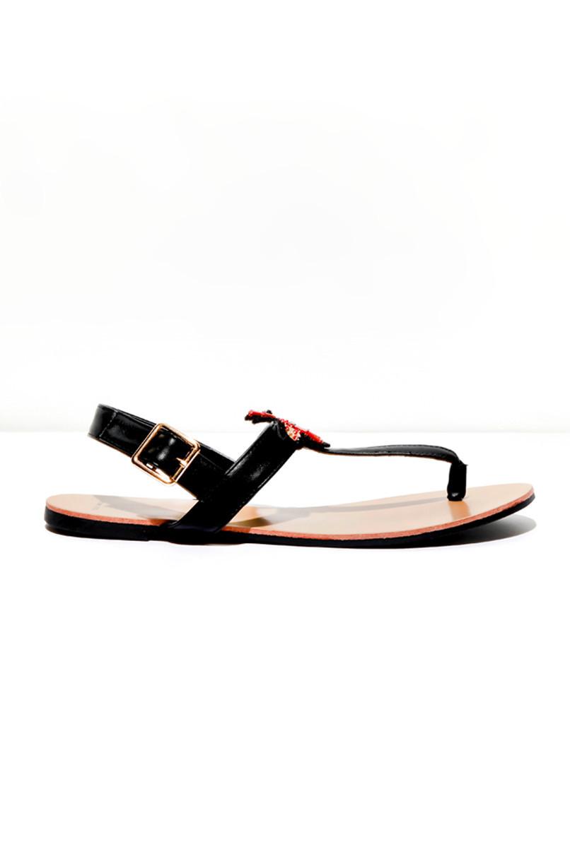 Schwarze Sandalen mit Stickerei
