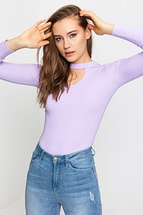Pullover Lilla con Cut Out