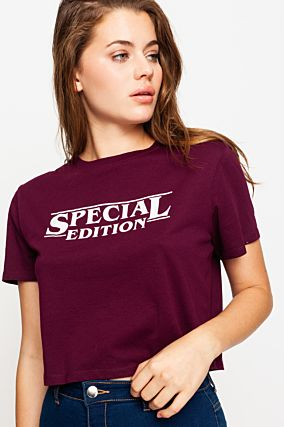 Bordeaux Crop-Top mit Slogan