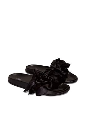 Black Sliders with Ruffles