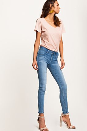 Hellblaue Push-Up Jeans